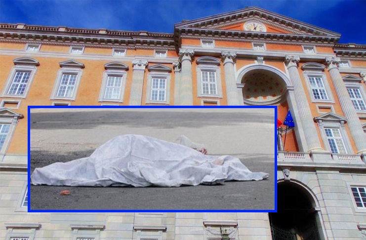 Reggia di Caserta, una ragazza si lancia da una finestra e muore