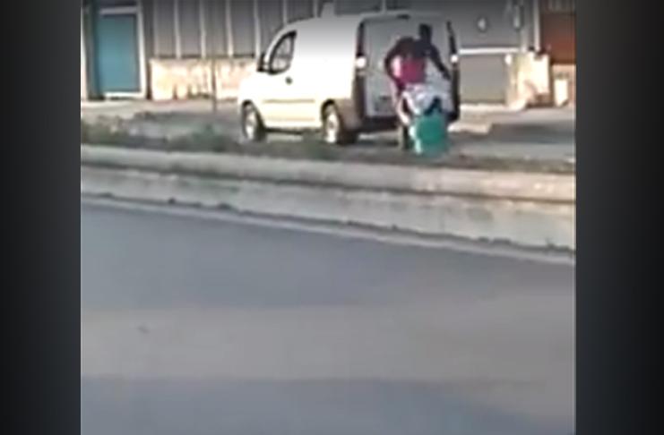 Scandalo sul litorale domitio: sesso orale in strada poi le botte
