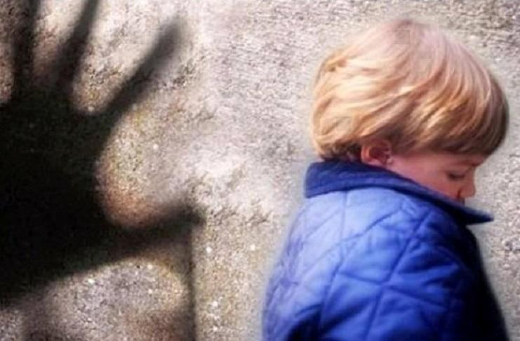 Tentato rapimento. Coinvolto un bambino: è caccia ad un furgone bianco