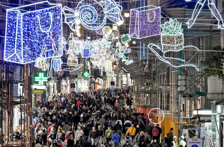Immagini Di Napoli A Natale.Napoli Pronte Le Luminarie Di Natale Corriere Ce