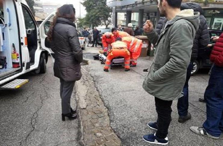 Sparatoria a Macerata, sette feriti tutti di nazionalità straniera