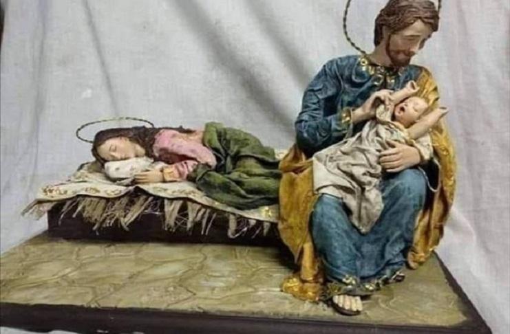 Messa di Natale, il Papa: